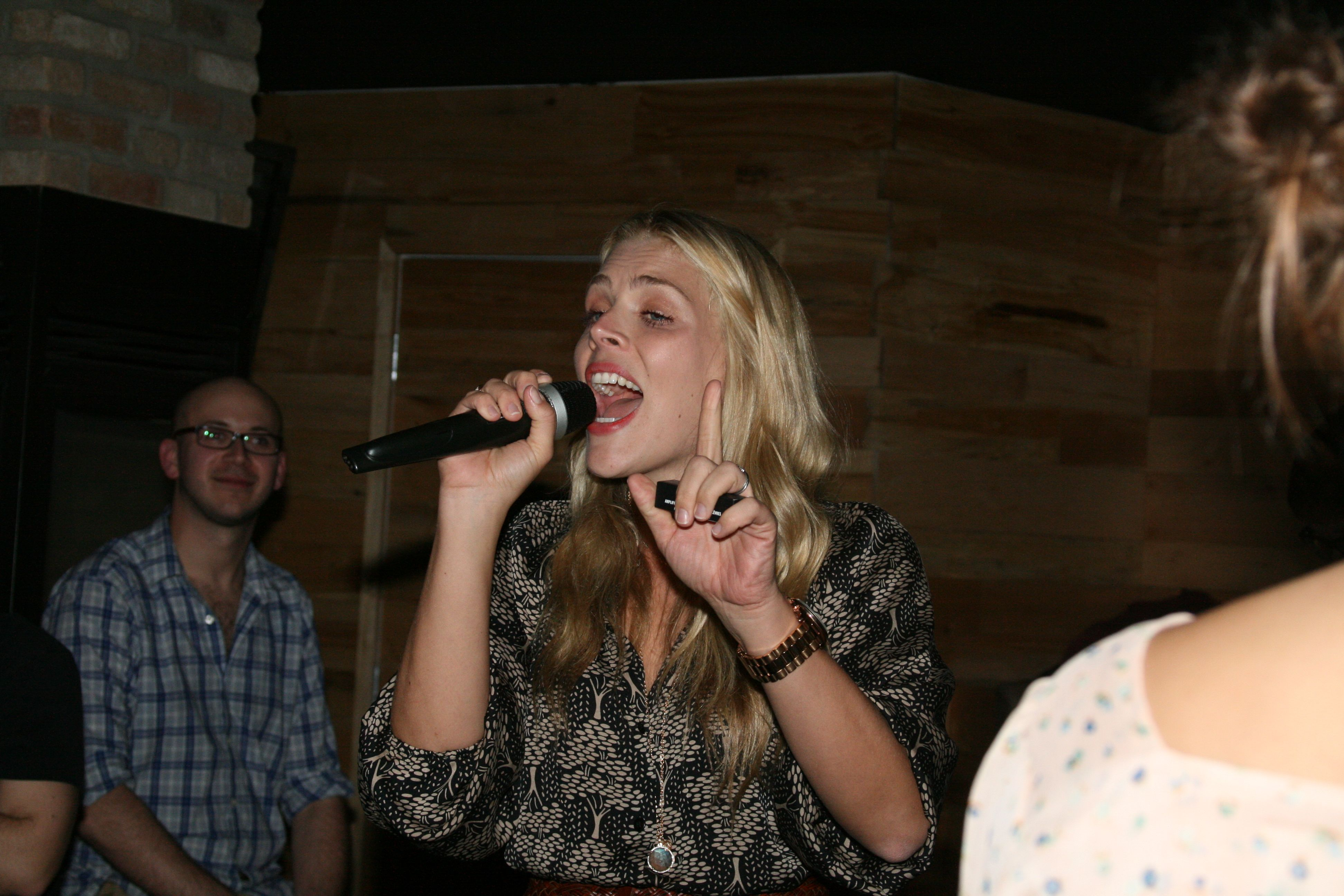 Busy Phillips MCs the Cougar Town Viewing Party