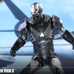 Hot Toys – Iron Man 3 – Sneaky (Mark XV) Collectible Figure_PR10