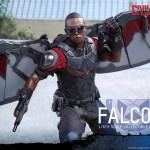 Hot Toys – Captain America Civil War – Falcon Collectible Figure_PR14