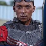 Hot Toys – Captain America Civil War – Falcon Collectible Figure_PR16
