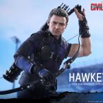 Hot Toys – Captain America – Civil War – Hawkeye Collectible Figure_PR11