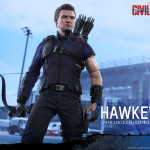 Hot Toys – Captain America – Civil War – Hawkeye Collectible Figure_PR12