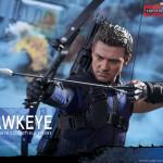 Hot Toys – Captain America – Civil War – Hawkeye Collectible Figure_PR14