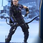 Hot Toys – Captain America – Civil War – Hawkeye Collectible Figure_PR2