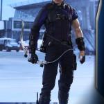 Hot Toys – Captain America – Civil War – Hawkeye Collectible Figure_PR3