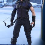 Hot Toys – Captain America – Civil War – Hawkeye Collectible Figure_PR4