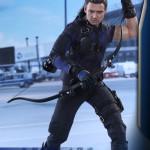 Hot Toys – Captain America – Civil War – Hawkeye Collectible Figure_PR5