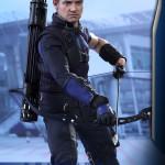 Hot Toys – Captain America – Civil War – Hawkeye Collectible Figure_PR8