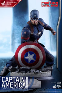 Hot Toys - CACW - Captain America (Battling Version)_PR5