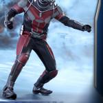 Hot Toys – Captain America Civil War – Ant-Man Collectible Figure PR_4