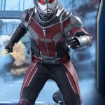 Hot Toys – Captain America Civil War – Ant-Man Collectible Figure PR_8