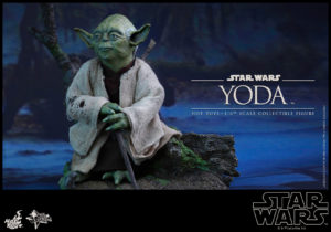 Hot Toys - Star Wars EpV - Yoda Collectible Figure_PR2