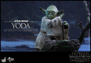 Hot Toys - Star Wars EpV - Yoda Collectible Figure_PR5